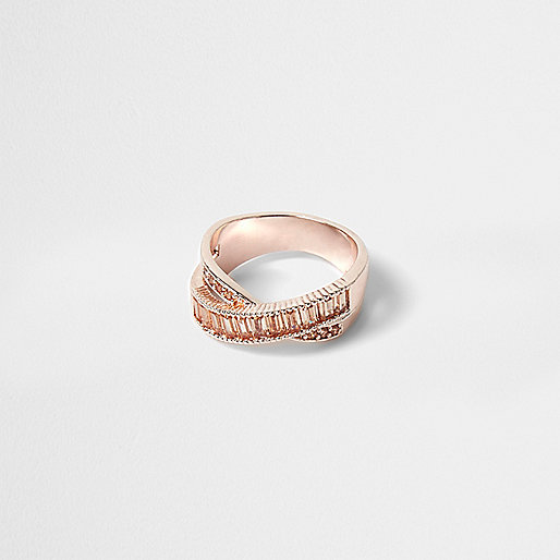 Rose gold tone rhinestone ring