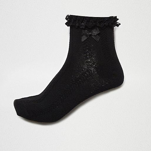 Black cable knit frill bow socks