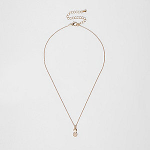 Gold tone pineapple pendant necklace