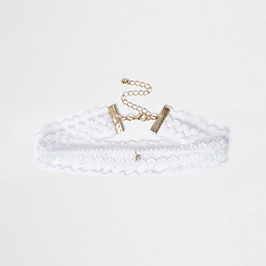 White lace jewel drop ckoker
