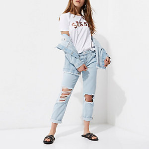Petite light blue wash ripped boyfriend jeans