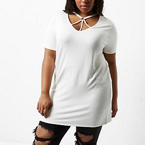 T-shirt Plus oversize blanc avec encolure façon harnais