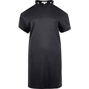 Schwarzes Oversized-T-Shirt mit Schulterausschnitten