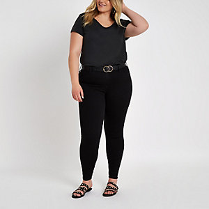 Plus – Schwarzes T-Shirt mit U-Ausschnitt