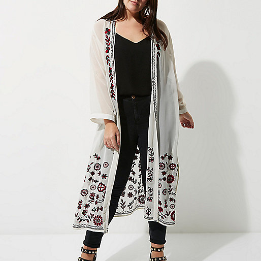 Plus white floral embroidered kimono