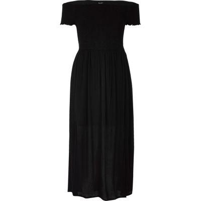 Zwarte gesmokte maxi-jurk met bardothalslijn