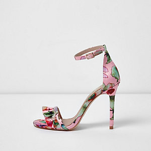 Roze gebloemde minimalistische sandalen met brede pasvorm