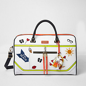 White 'to the beach' badged weekend bag