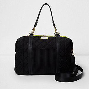 Black quilted sporty weekend bag