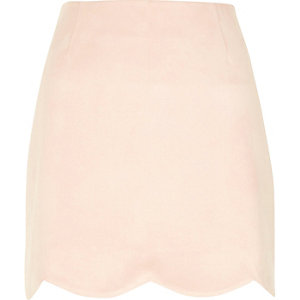 Light pink scallop hem faux suede mini skirt