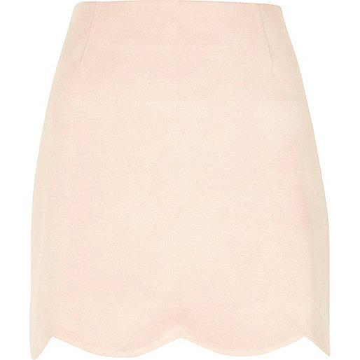 Light pink scallop hem faux suede mini skirt