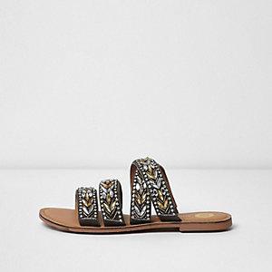 Kakigroene versierde slip-on sandalen