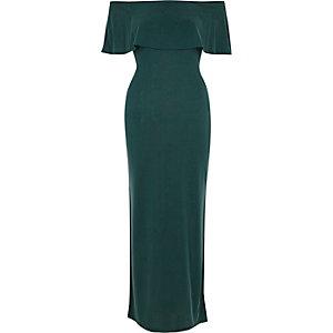 Robe longue Bardot verte décolletée à volants