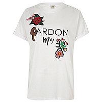 Wit T-shirt met bloemenapplicatie en 'pardon moi'-print