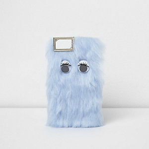 Blaue iPhone-Hülle mit Kunstfellbesatz