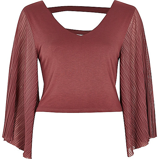 Dark pink strappy back pleated sleeve top
