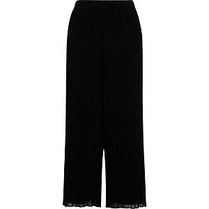 Black pleated culottes