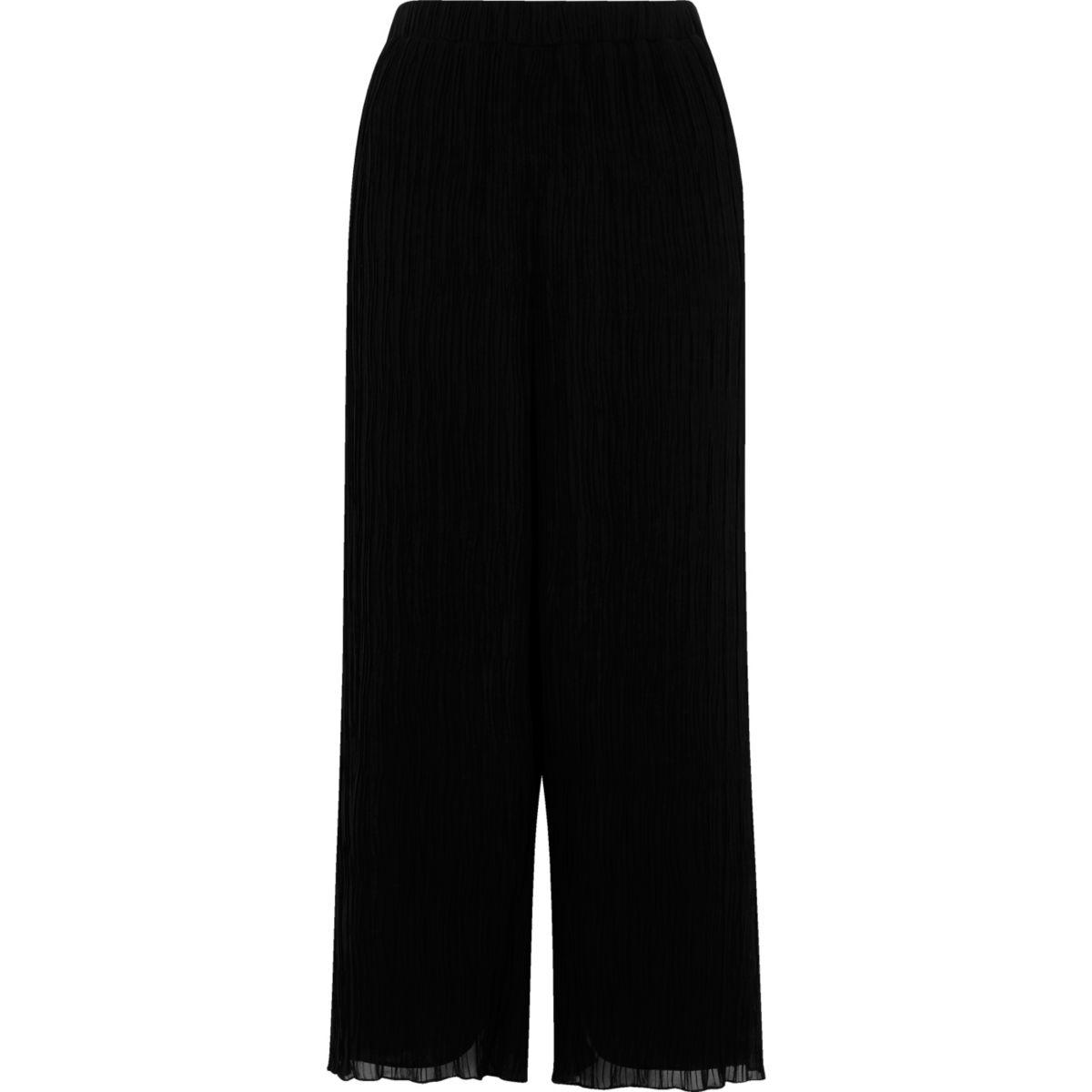 Schwarzer Hosenrock mit Falten