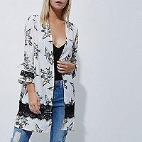 RI Petite - Crème kimono met kanten paneel en bloemenprint