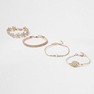 Lot de bracelets dorés avec perles