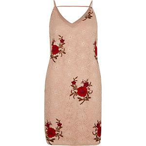 Roze kanten slipdress met geborduurde rozen