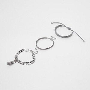 Lot de bracelets argentés à pampilles