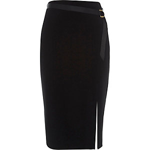 Black D-ring belt pencil skirt