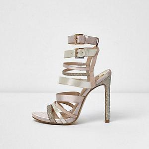 Sandales rose clair à brides multiples