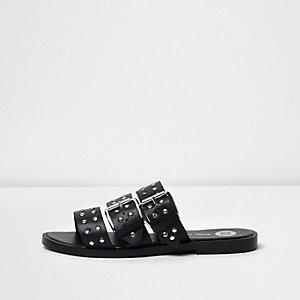 Sandales en cuir noir à brides cloutées