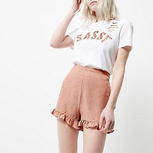 Petite – Pinkes Shorts mit Rüschensaum