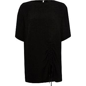 Schwarzes Oversized-T-Shirt mit Rüschen