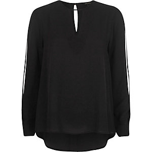 Black keyhole split sleeve blouse