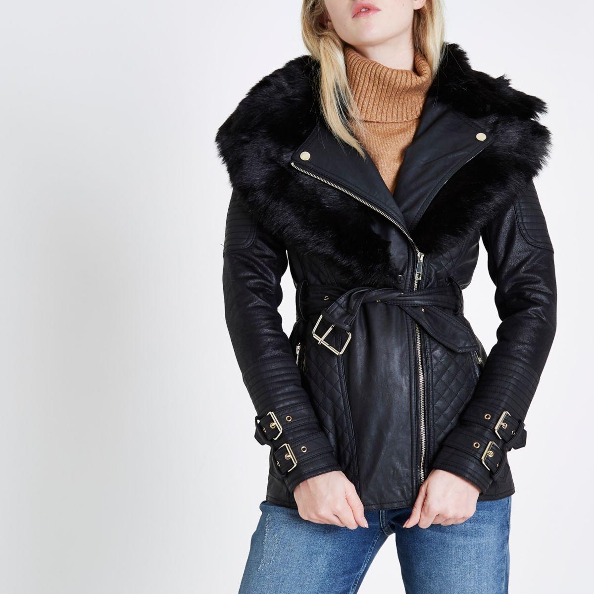 Manteau noir matelassé avec ceinture et col style motard