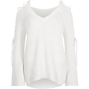 White ribbed knit tie sleeve V neck jumper