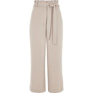 Jupe-culotte grise à taille haute et ceinture