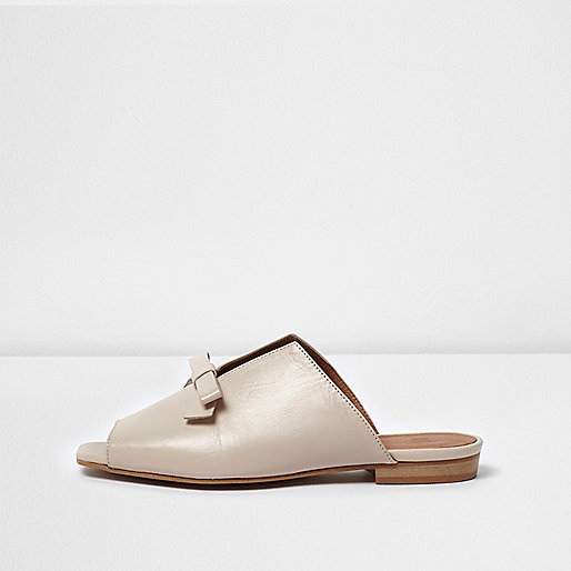 Cream leather bow mules