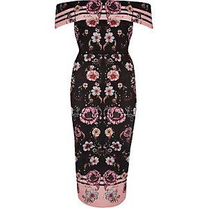 Roze midi-jurk met bardothalslijn en bloemenprint