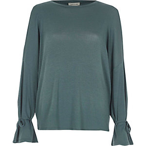 Green cold shoulder tie cuff top