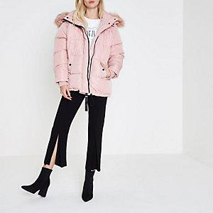 Roze oversized gewatteerd jack met capuhon van imitatiebont