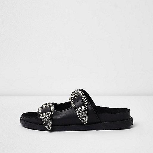 Zwarte slippers met dubbele westerngespen