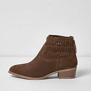 Brown suede woven boots