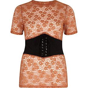 T-shirt marron ajusté brodé avec effet corset sur le devant