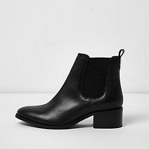Black block heel chelsea boots