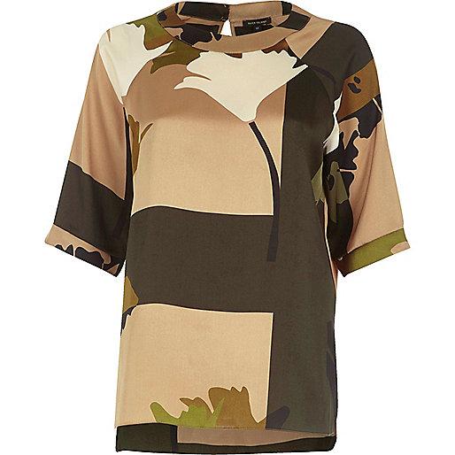 Khaki camo print keyhole short sleeve T-shirt