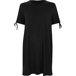 T-shirt oversize noir délavé noué aux manches