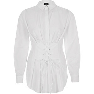 Chemise oversize blanche style corset à manches longues