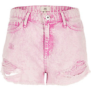 Pink acid wash distressed denim shorts