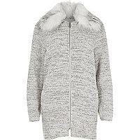 Grijze klokkende jersey jas met kraag van imitatiebont