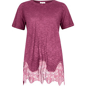 Dark red lace hem T-shrit