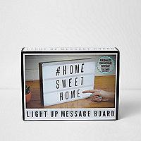 A4 messageboard met oplichtende letters